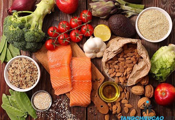 ăn uống đầy đủ dưỡng chất