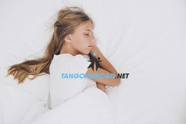 ngủ tăng chiều cao