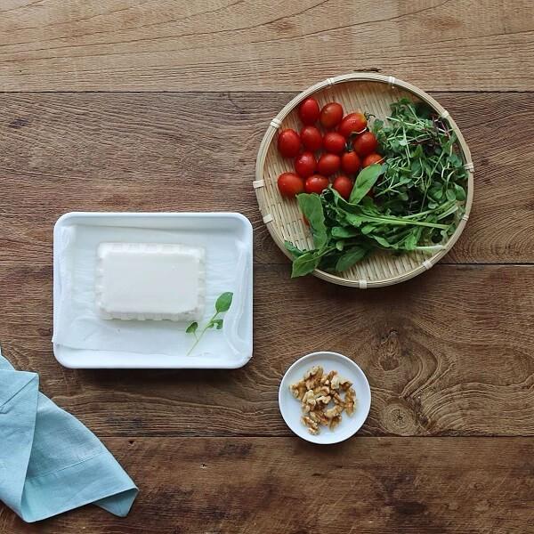 Nguyên liệu món salad đậu hũ cà chua