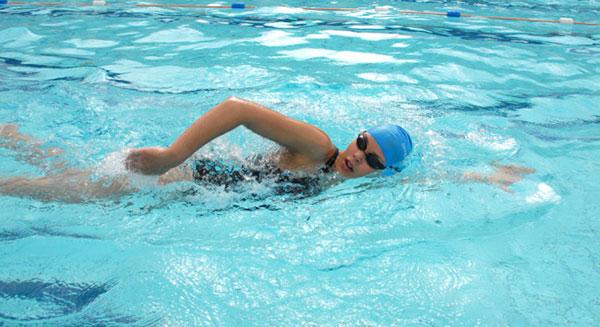 Bơi tự do có nhiều lợi ích đối với sức khỏe