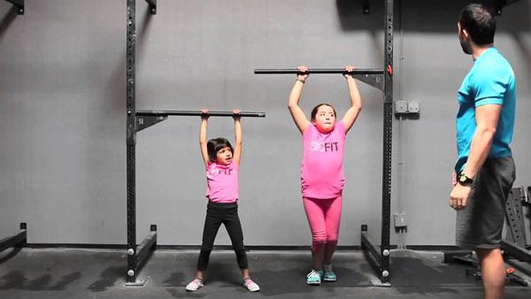 Tập xà đơn giúp giúp trẻ tăng chiều cao nhanh chóng