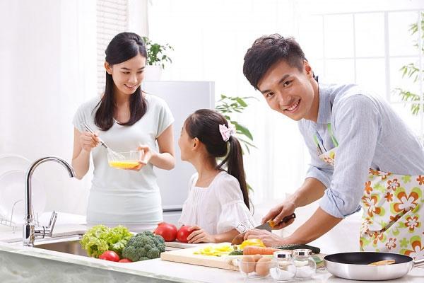 Bổ sung dinh dưỡng đầy đủ sẽ giúp chiều cao của trẻ phát triển tối ưu