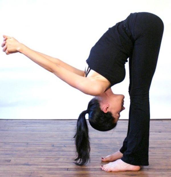 Bạn phải cố gắng vượt qua những khó khăn ban đầu để có thể thực hiện đúng những động tác của yoga.