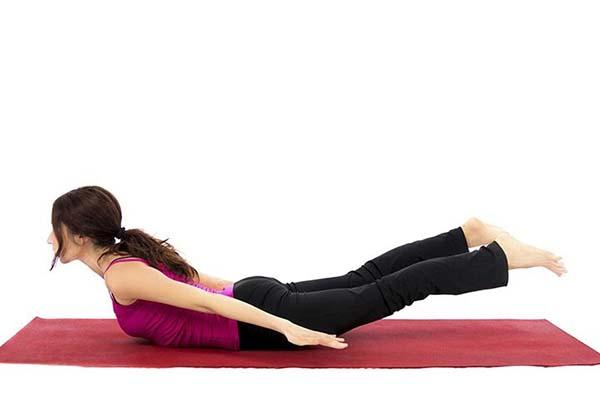 yoga tư thế châu chấu