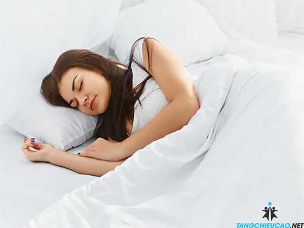 tư thế ngủ hợp lý