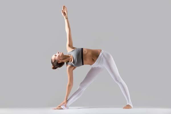 yoga tư thế tam giác